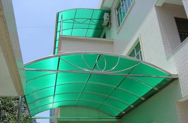 Tấm nhựa thông minh polycarbonate làm mái hiên nhà